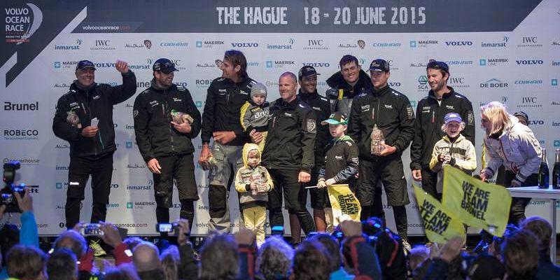 """Paskutinis """"Volvo Ocean Race"""" sprintas: 17,5 minučių iki """"Team Brunel"""" antrojo laiptelio ant nugalėtojų pakylos"""